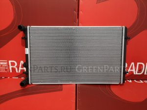 Радиатор двигателя на Audi TT COUPE 8N3 AUM