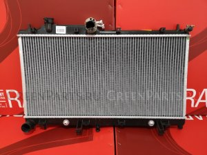 Радиатор двигателя на Subaru Impreza GH