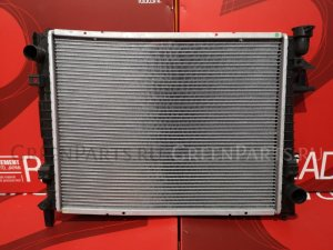 Радиатор двигателя на Dodge Pick up EZA