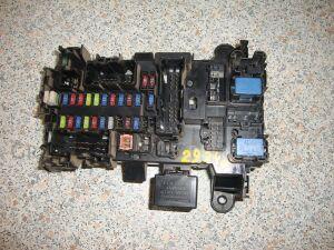 Блок предохранителей на Suzuki Grand Vitara JB, JB420, JB420W, JT J20A 00000009422