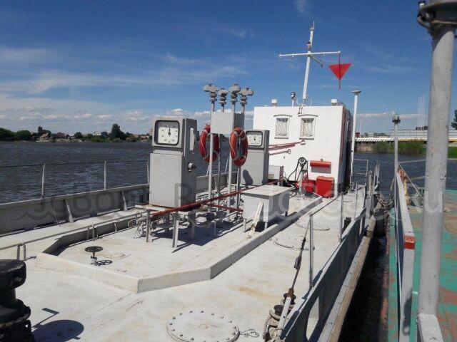 судно нефтеналивное Нефтеналивное несамоходное суд 2000 г.