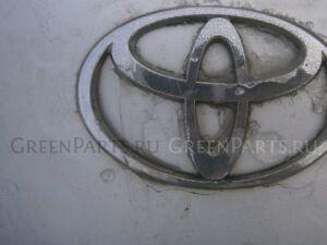 Эмблема на Toyota Yaris
