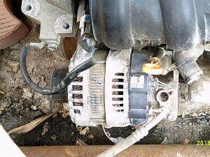Генератор на Nissan Tiida Latio SC11 HR15 23100-ED000