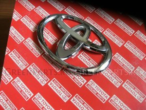 Эмблема на Toyota HIACE/REGIUS TRH211, TRH214, KDH201, KDH206, TRH200,KDH222, KDH 90975-0208