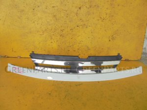 Решетка радиатора на Nissan Serena TC24