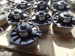 Мотор печки на Toyota Noah SR50