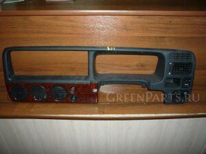 Консоль магнитофона на Honda Stepwgn RF1 B20B
