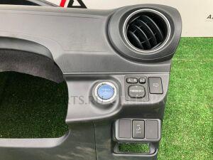 Блок управления зеркалами на Toyota Aqua NHP10 84870-28020