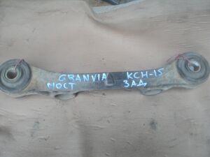 Крепление редуктора на Toyota Granvia KCH16 1KZT