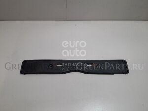Накладка на бампер на Lexus RX 300/330/350/400h 2003-2009 5211448110