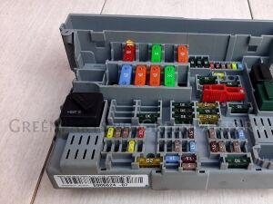Блок предохранителей на Bmw 3-SERIES E90 N46B20 61 146 978 273