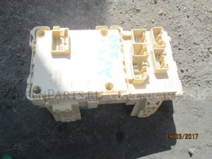 Блок предохранителей на Toyota Avensis 1AZFSE.