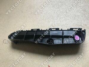 Крепление бампера на Toyota Prius ZVW50; ZVW51; ZVW55