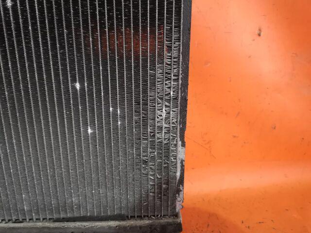Радиатор двигателя на Toyota Gaia ACM10G 1AZ-FSE