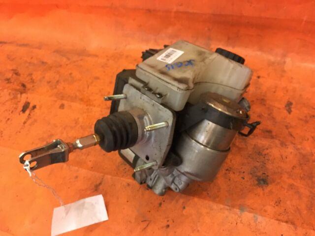 Главный тормозной цилиндр на Toyota Progres JCG15 1JZ-FSE