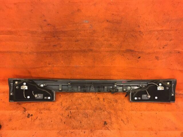 Стоп-планка на Honda Stepwgn RG1 P8029