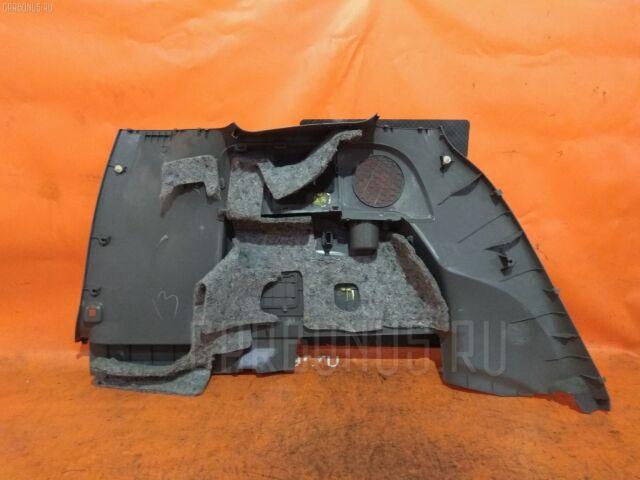 Обшивка багажника на Toyota Isis ANM10G