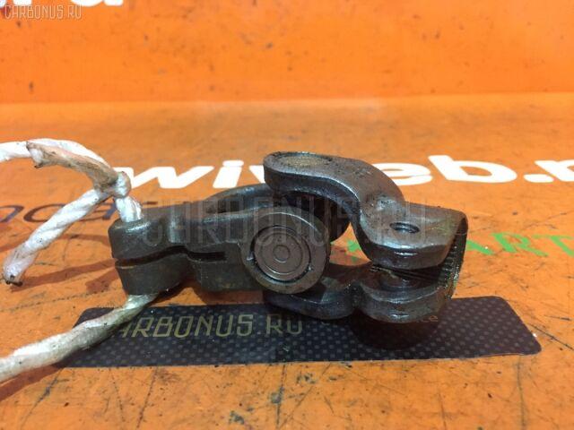 Рулевой карданчик на Toyota Vitz SCP13