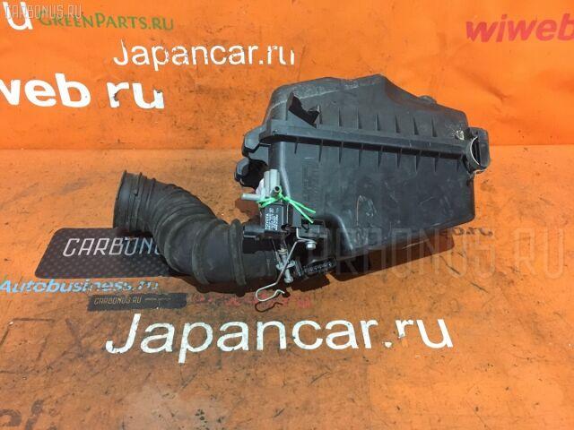 Корпус воздушного фильтра на Toyota Isis ZNM10 1ZZ-FE