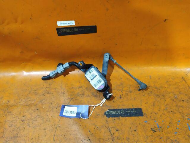 Датчик регулировки наклона фар на Toyota Celsior UCF31