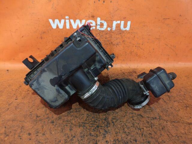 Корпус воздушного фильтра на Nissan Serena C26 MR20DD