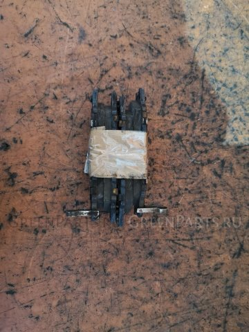 Тормозные колодки на Nissan Cube AZ10
