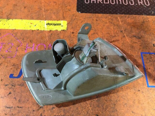 Поворотник к фаре на Toyota Corolla AE110 12-412