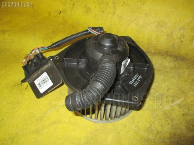 Мотор печки на Nissan Avenir W11