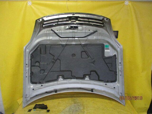 Капот на Nissan Teana J31