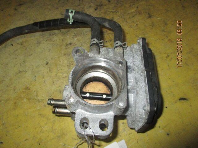 Дроссельная заслонка на Toyota Belta SCP92 2SZ-FE