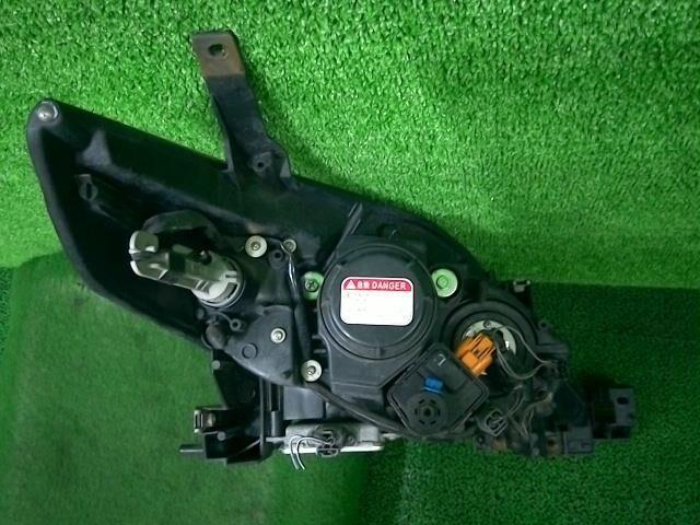 Фара на Mazda Premacy CREW LF-VD P5104