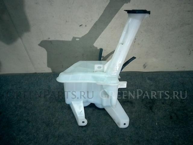 Бачок омывателя на Toyota Ractis NCP100 1NZ-FE
