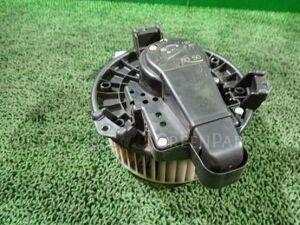 Мотор печки на Toyota Voxy ZRR70G 3ZR-FAE