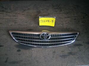 Решетка радиатора на Toyota Camry 2AZ-FE