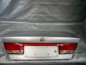 Крышка багажника на Nissan Sunny FB15 QG15DE