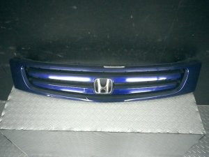 Решетка радиатора на Honda Stream RN1 D17A