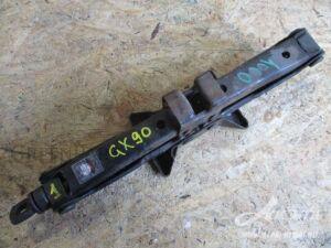 Домкрат на Toyota Mark II Wagon Qualis SXV25, SXV20, MCV25, MCV21, MCV20 5S-FE, 2MZ-FE, 1MZ-FE