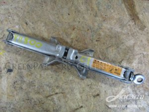 Домкрат на Nissan Sunny FNB15 QG15DE