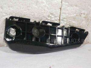 Крепление бампера на Toyota Auris ZRE154 2ZR-FAE