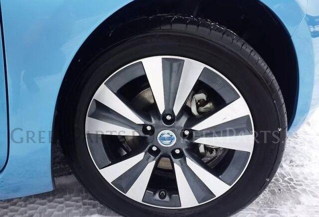 шины Dunlop 215/50R17 летние на дисках Nissan R17