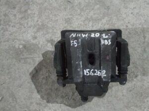 Суппорт на Toyota Prius NHW20