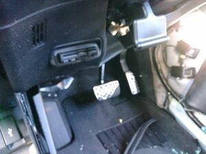 Педаль тормоза на Honda VEZEL RU3, RU4, RU1, RU2 L15B