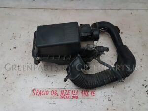 Корпус воздушного фильтра на Toyota Corolla Spacio NZE121 1NZFE
