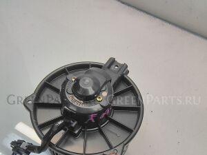 Мотор печки на Toyota Noah SR50 3S-FE