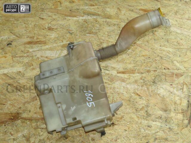 Бачок омывателя на Subaru Forester SH5 EJ25