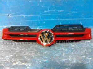Решетка радиатора на Volkswagen Golf WVWZZZ1KZ6U003703 BLR