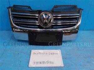 Решетка радиатора на Volkswagen Golf WVWZZZ1KZ8M256695 BWA