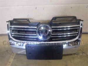 Решетка радиатора на Volkswagen Golf WVWZZZ1KZ8M311676 BLG